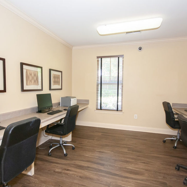 Business center at Columbia Commons - Apartments in Atlanta, GA