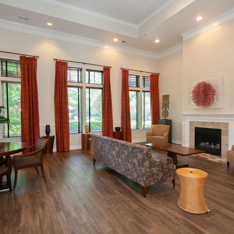 Community room at Columbia Commons - Apartments in Atlanta, GA