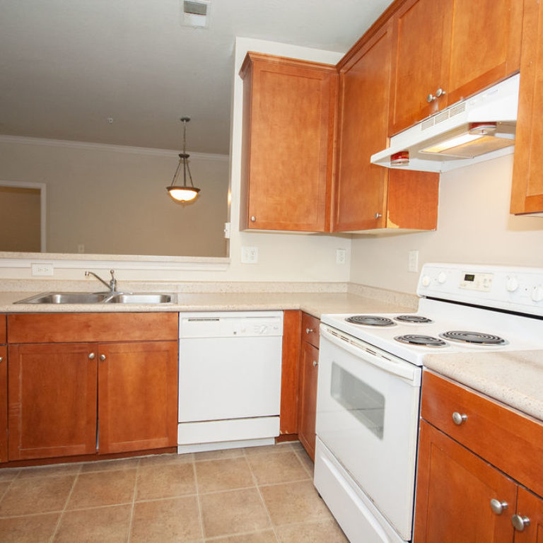 Apartment kitchen at Columbia Commons - Apartments in Atlanta, GA