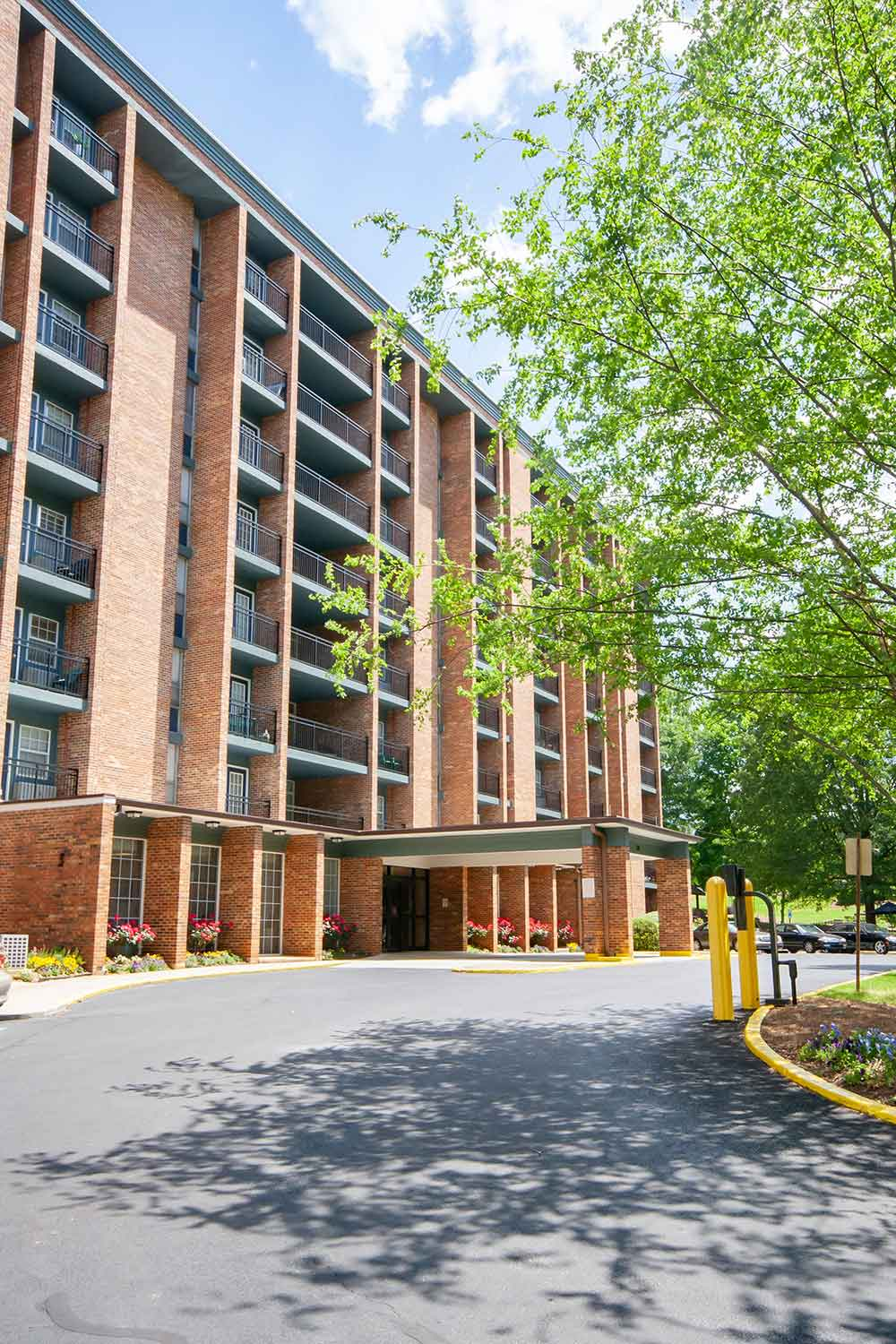 East Lake Highrise | East Atlanta Apartments | Columbia ...