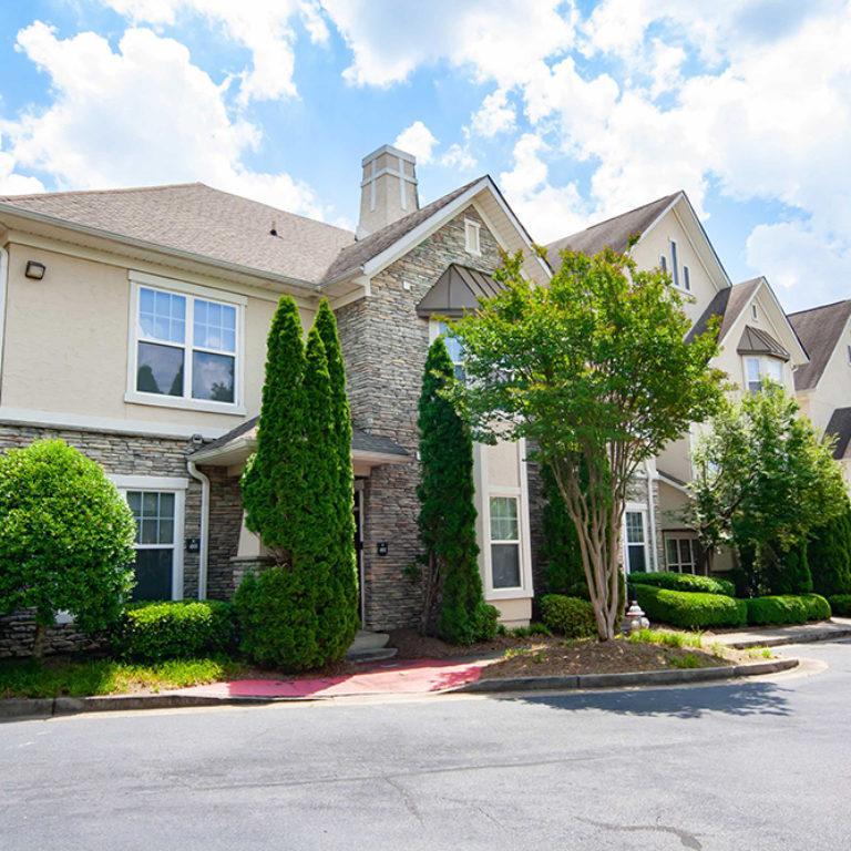 Columbia Estates Community - Apartments in West Midtown Atlanta, GA